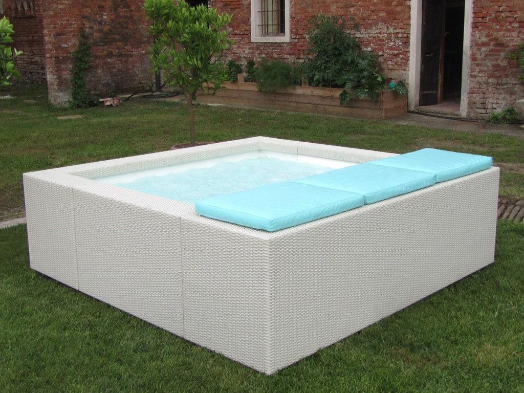 Construction de piscines hors-sol avec Catusse Piscines & Spas